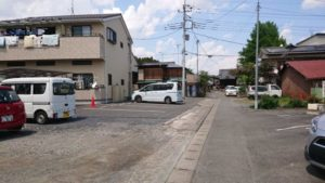 小川町 強い女 無水カレー 駐車場